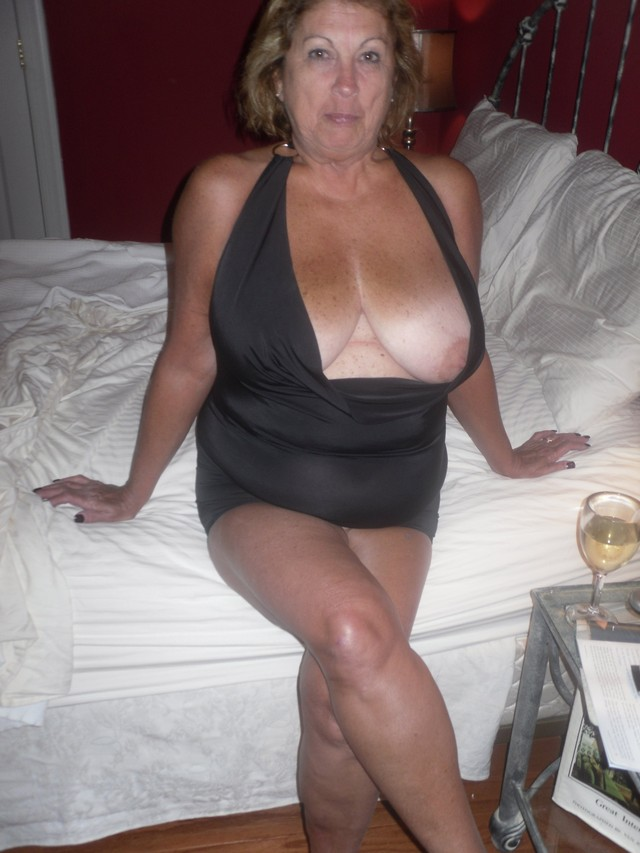 busty mature pics mature pussy porn pictures ass tits legs busty martiddds