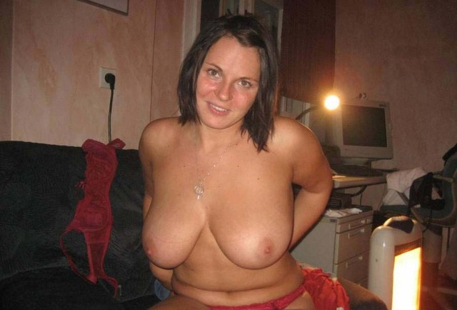 busty milf photos amateur photos milf hot busty favorite bustymilf