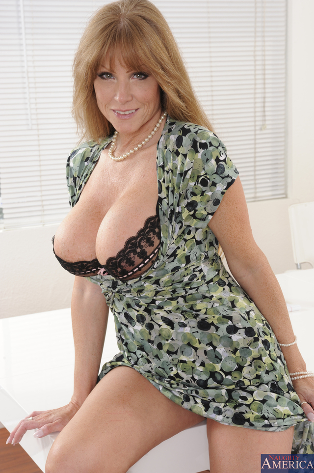 busty milf pics pictures milf tits busty shows naughty america darla
