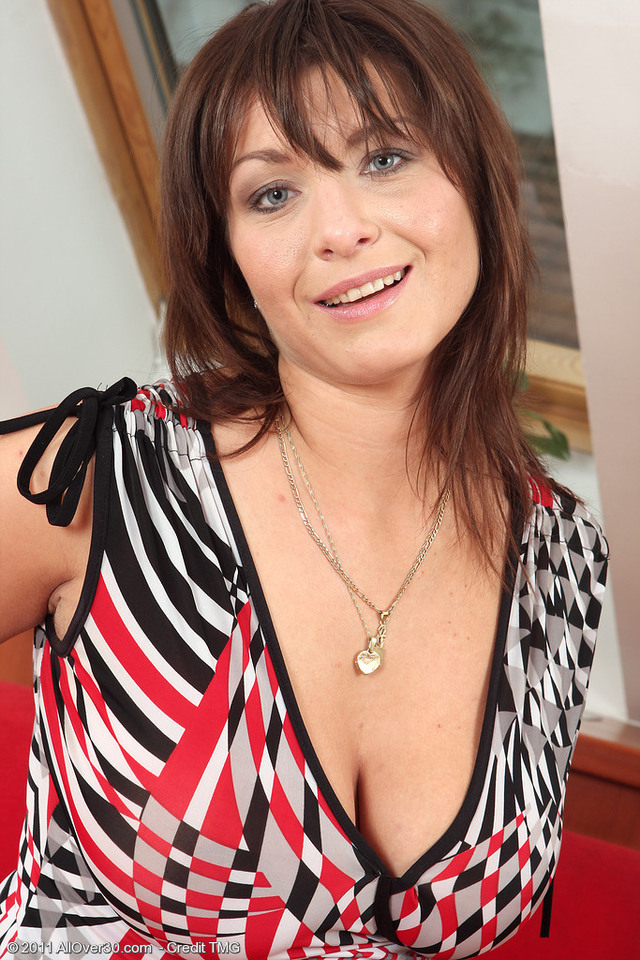busty milf porn pic porn galleries milf over busty all sophia want