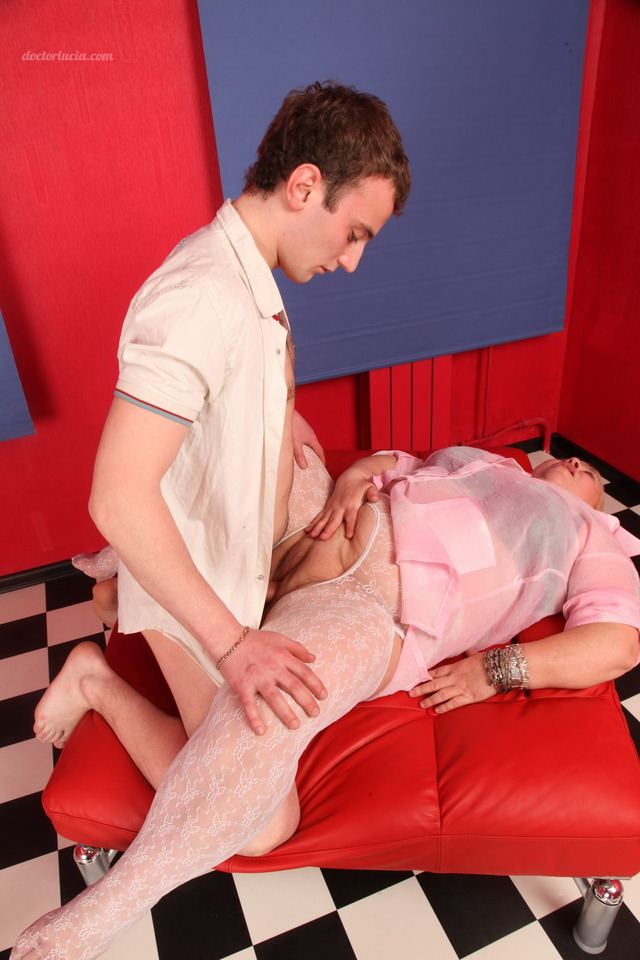 chubby mature anal porn mature anal hardcore real chubby babe gives loving some hunk