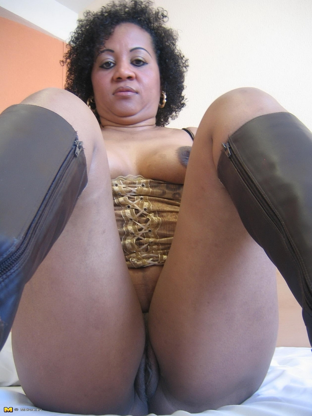 Mature black sluts