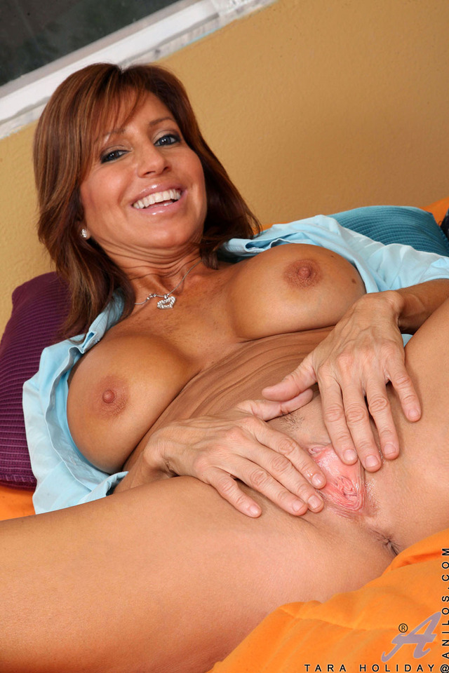 Mature female xxx