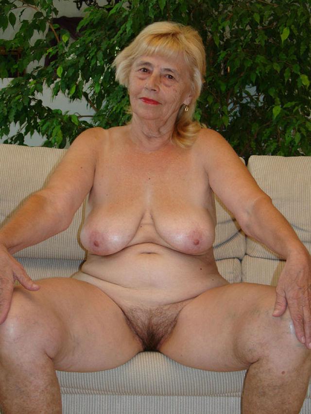 Смотреть порно как трахают русских старых баб на за 50 лет 19 фотография