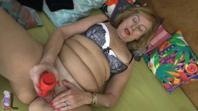 fat old mature porn old hairy granny cunt