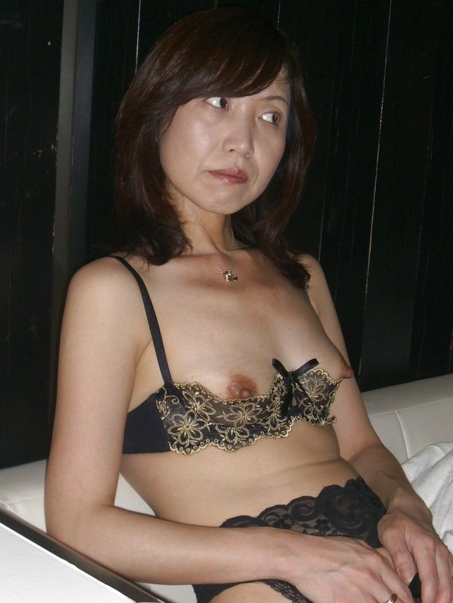 free gallery mature milf porn amateur mature wife asian japanese exposed milfjuicy