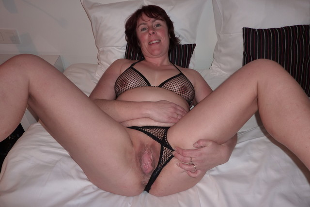 free mature pic porn woman mature porn pictures women spreading their cunts loose