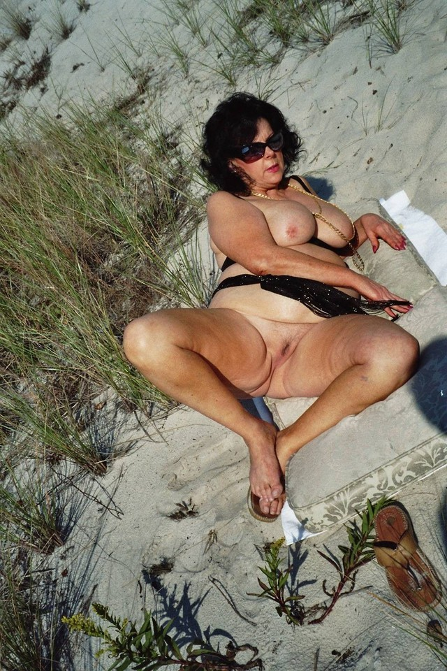 free old porn slut old beach granny slut horny flashing