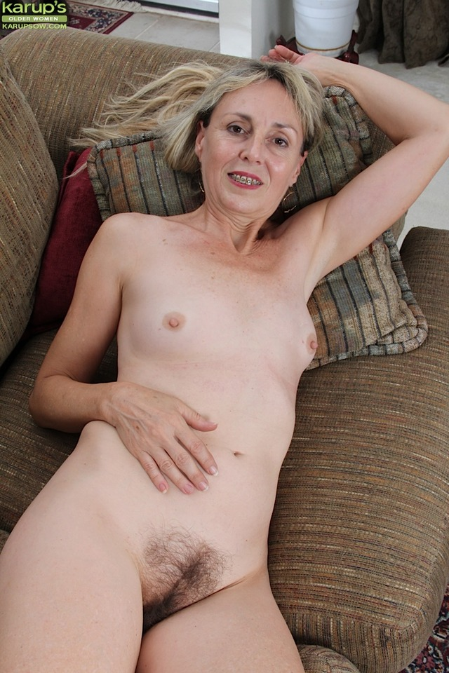 free older photo porn woman amateur porn older women hairy milf karups blonde exposes bush