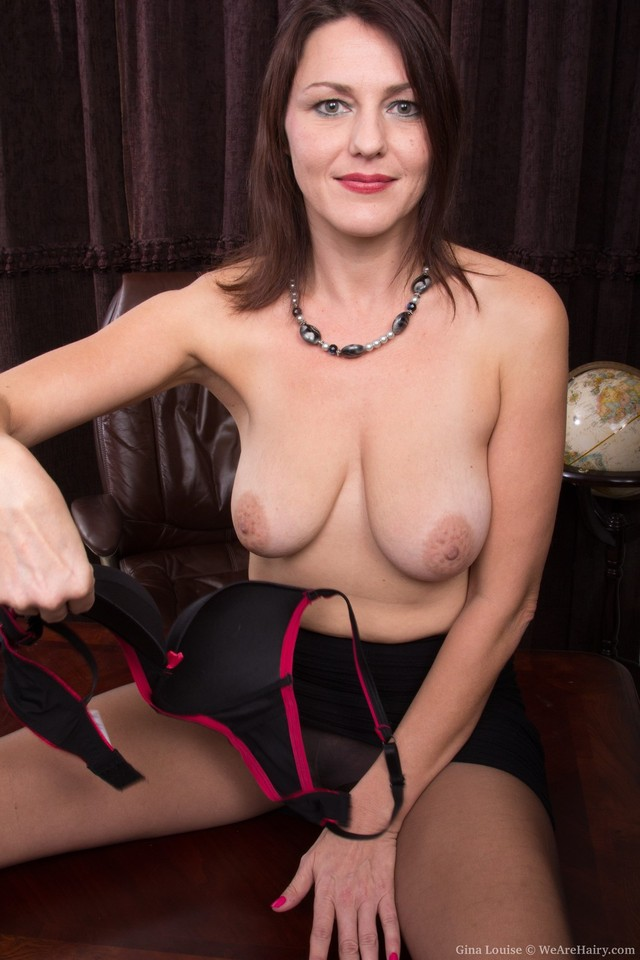 gorgeous milf pictures pussy hairy ginalouise