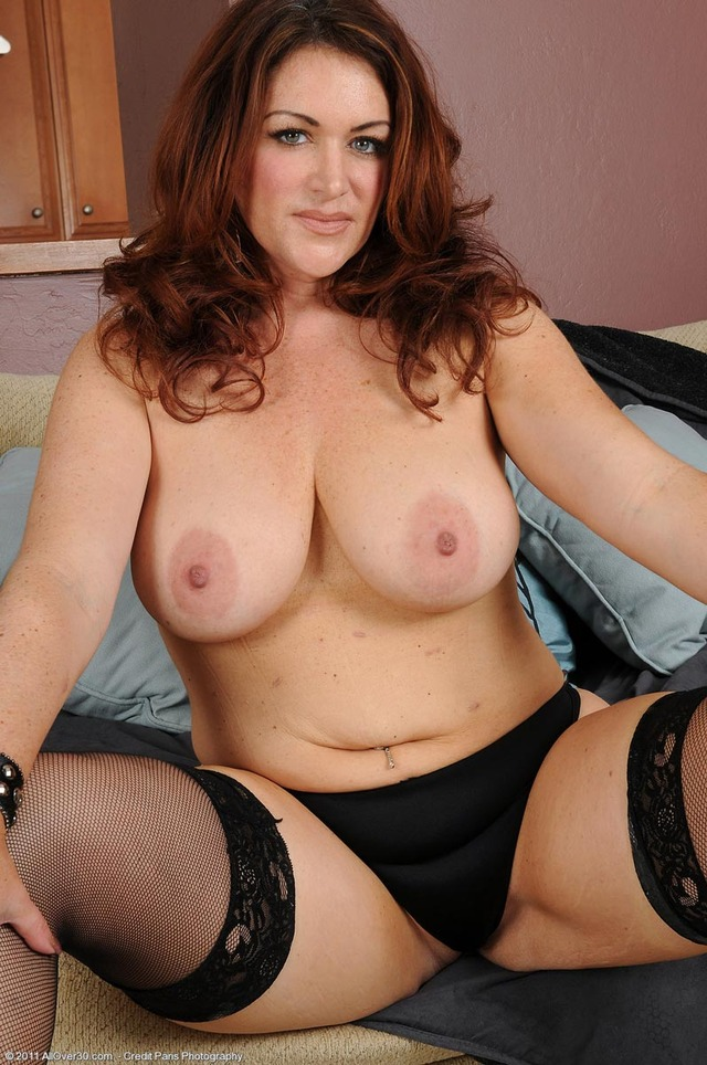 gorgeous milf pictures galleries milf stockings busty redhead ryan