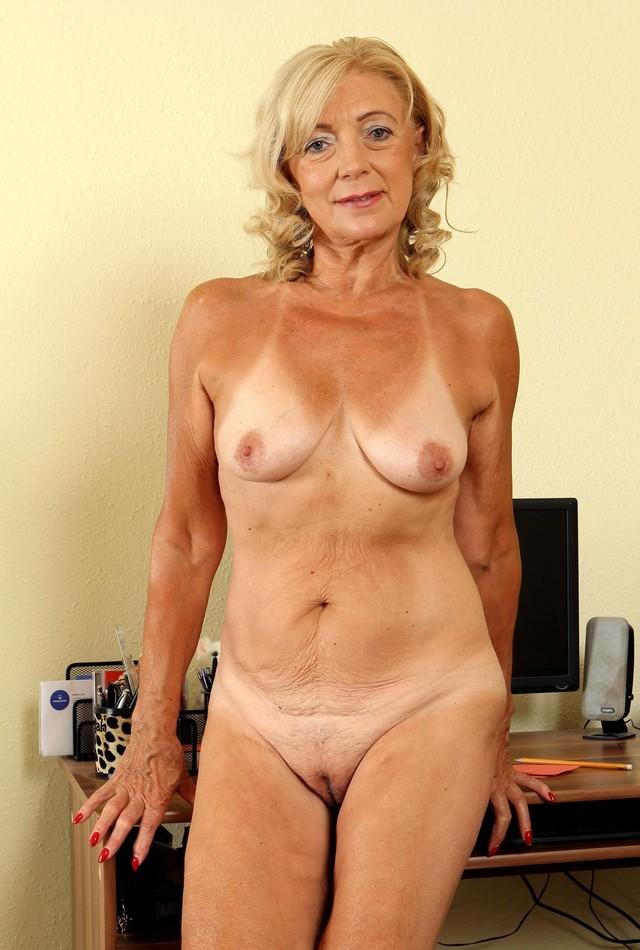 пожилые леди ню фото