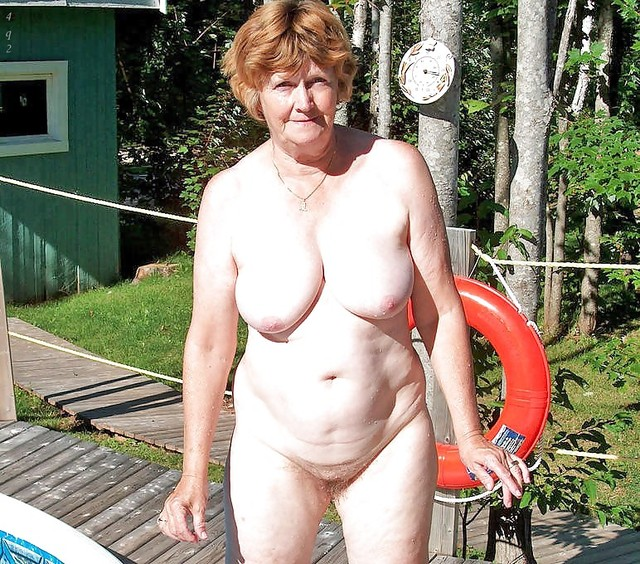granny nudist photo