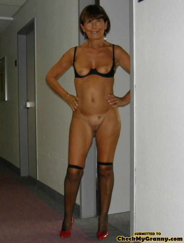 granny photos porn homemade pics galleries brunette granny checkmygranny