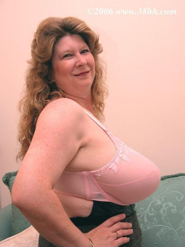 Granny mature oma in bra or lingerie