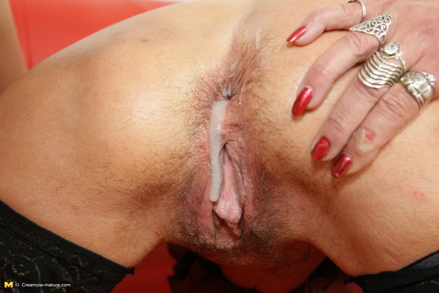 hairy mature anal porn mature porn anal hairy photo sexy
