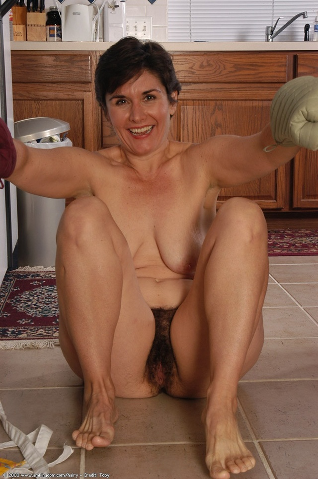 hairy mature porn photos mature hairy leslie cooking