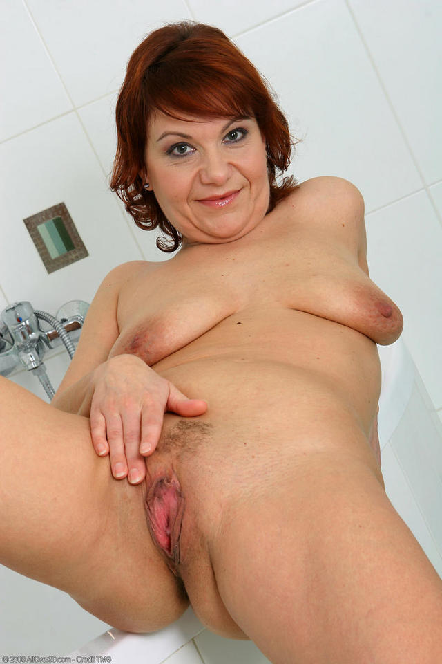 hairy moms galleries mom hairy nika pict pictnik