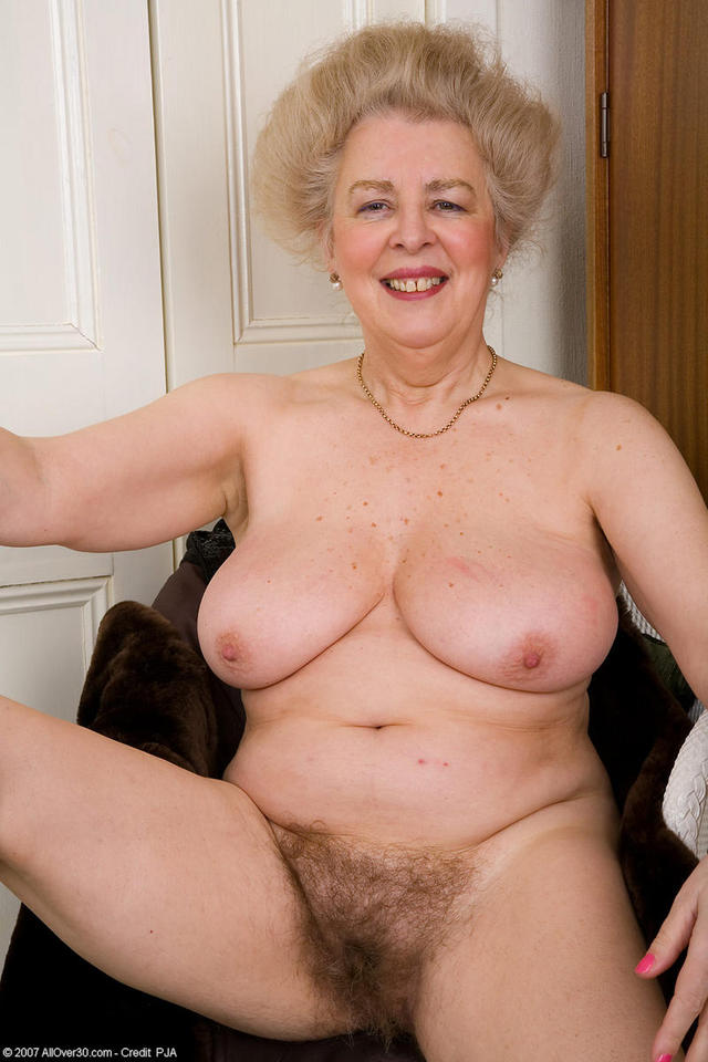 hairy moms galleries pussy pics hairy busty moms pict pictbus