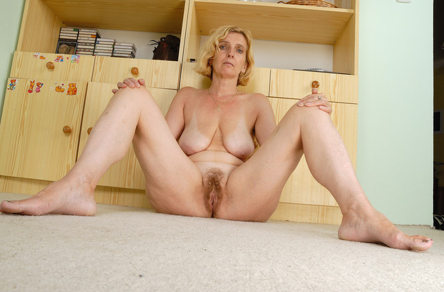 hairy moms pics mature everything dev