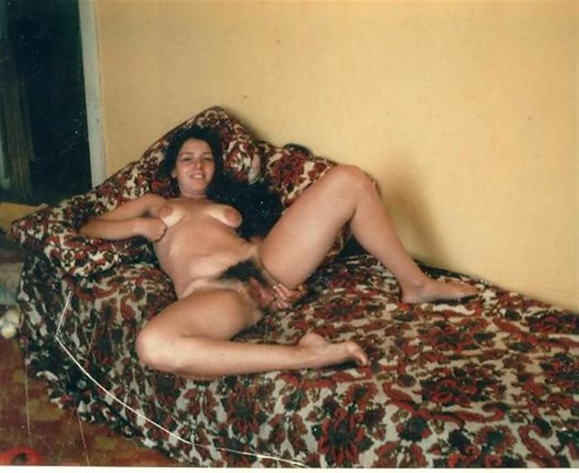 hairy moms porn pussy nude mom porno galleries women hairy natural ...