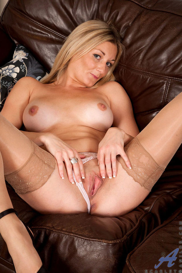 horny mature milf milf horny showing cdc