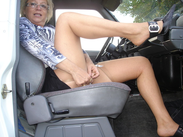 horny milf pic amateur porn milf photo hot slut horny