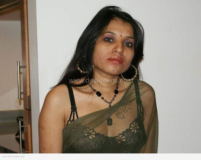 hot housewife porn pics naked page desi housewife cleavage kiranp