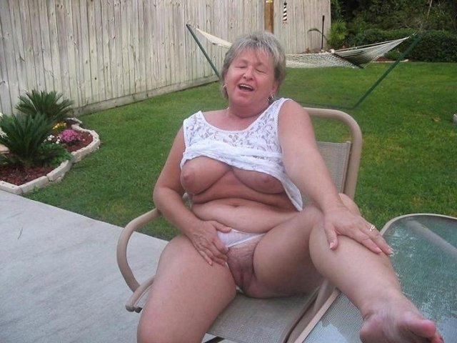 mamas mature nude porn mom galleries old real milf beach hot granny