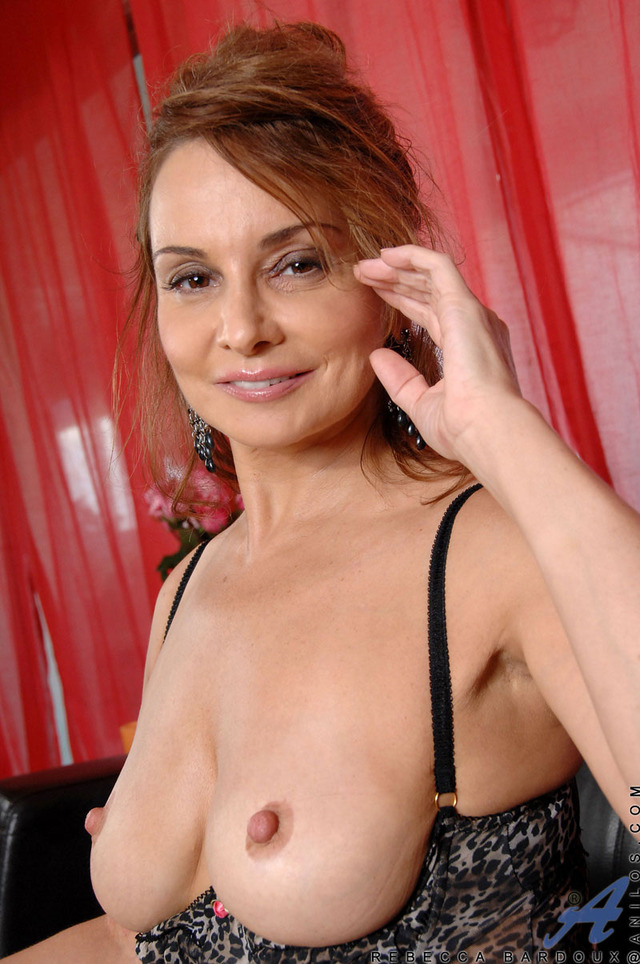 hot mature mom media rebecca bardoux