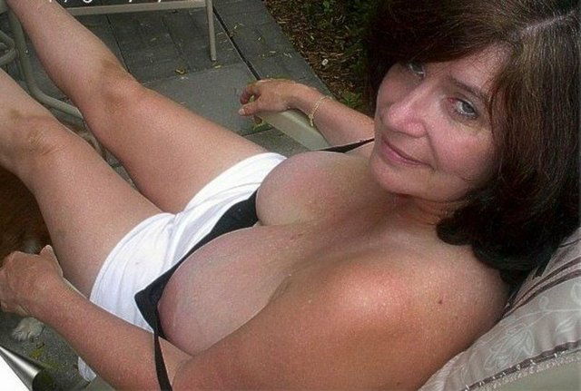 hot mature moms mature mom galleries old home horny from moms escort next door