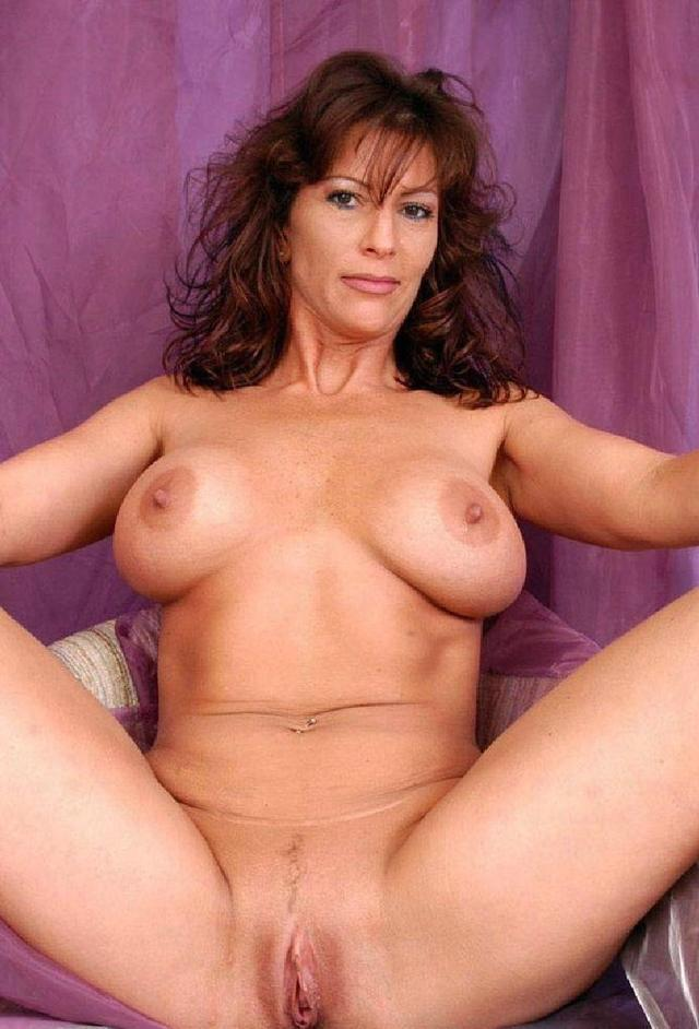 Hot Nude Mature Woman