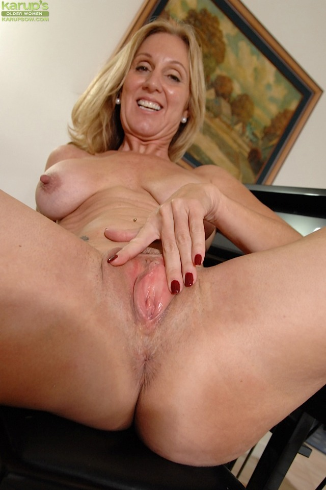 Milf mature escort