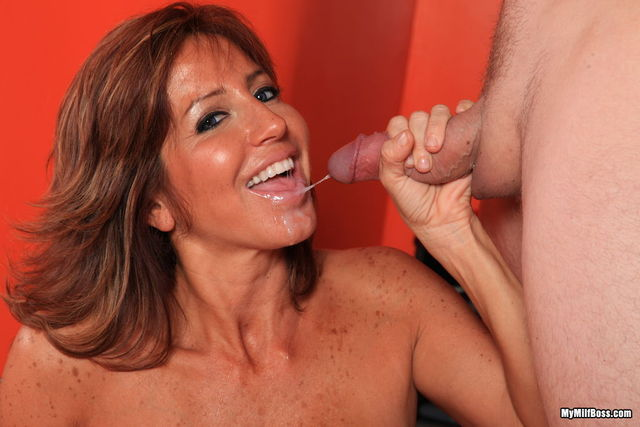 hot milf porno pics pictures milf hot tara boss holiday sexiest realtor