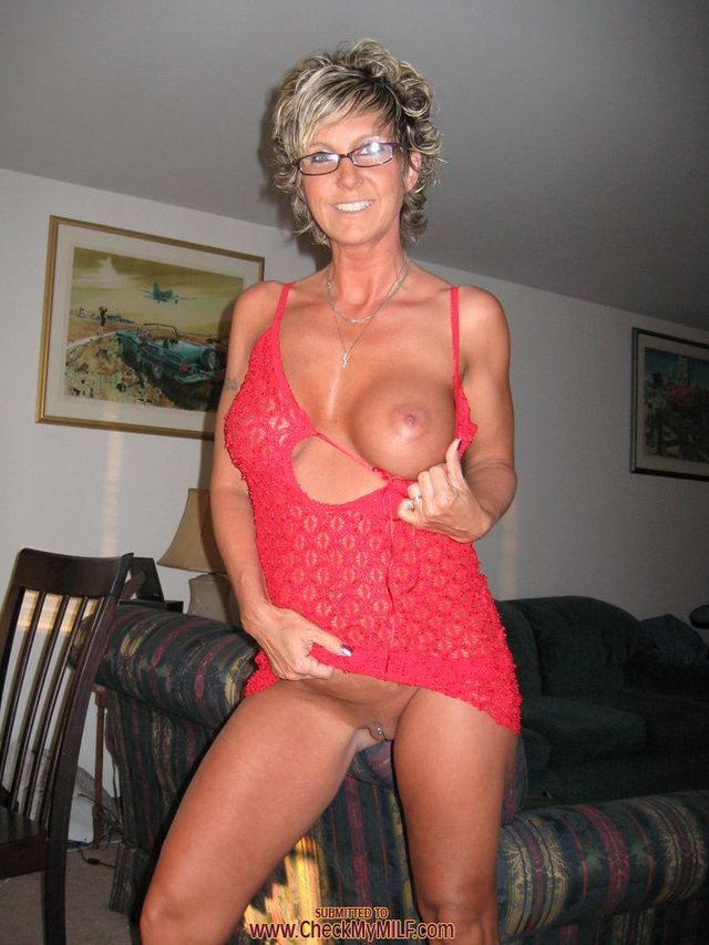 hot milfs porn galleries pussy milf housewife pierced