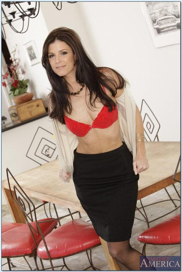 hot mom pics pics mom tgp cock hot takes gal india summer hosted some yonger
