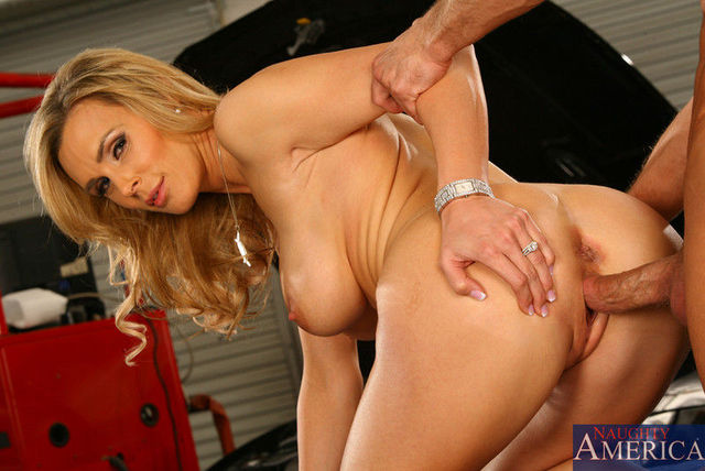 hot moms gallery mom galleries fuck blonde hot loves gfullsize sons friends tanya tate frie