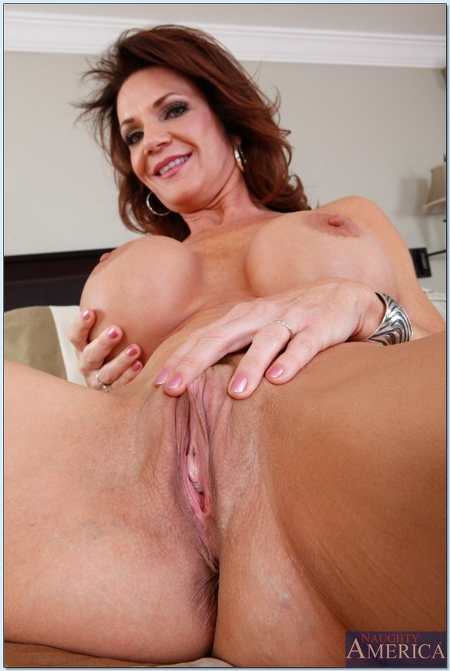hot moms gallery pictures pics old ass spreading sexy cheeks soft here deauxma momma