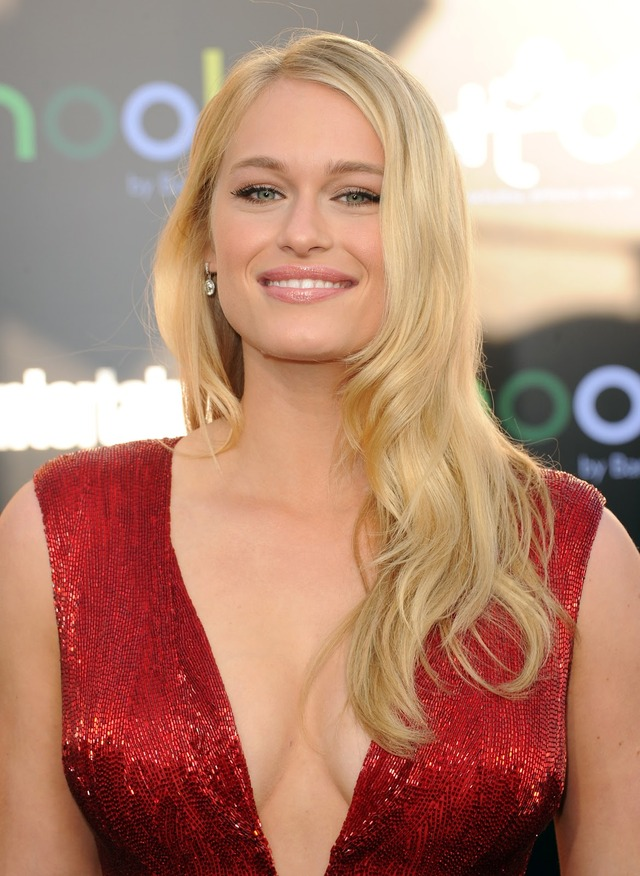 hot moms in underwear leven rambin