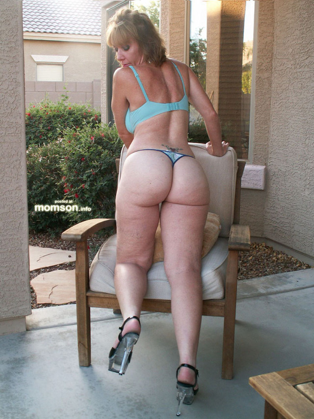 hot naked mom s pictures mom naked fuck hot panties showing butt moms backyard