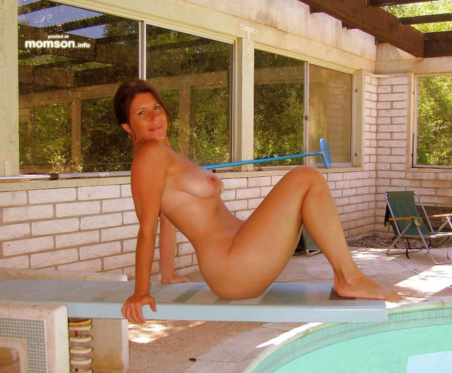 Hot Naked Mom Swimming Pool