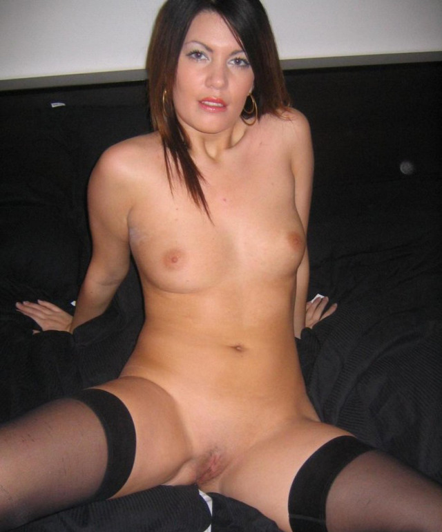 Wife nude brunette