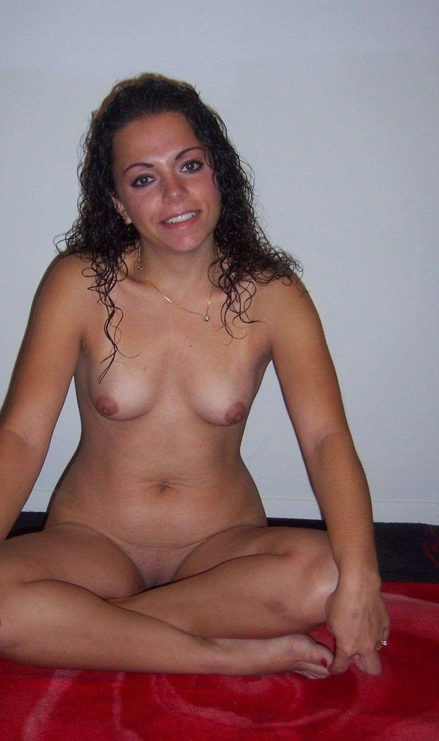 Cute naked amateur wives nude