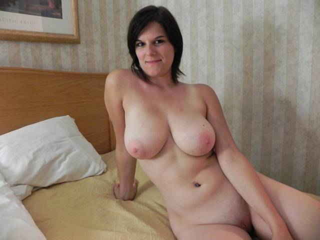 hot older porn woman woman naked category bed posing submissions