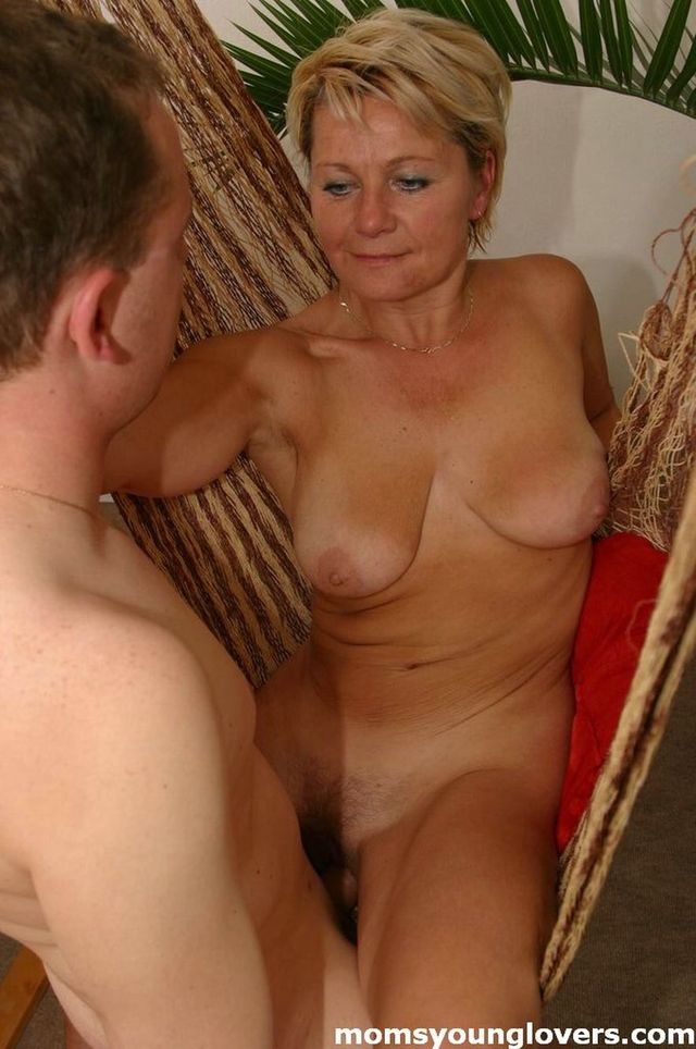 hot sexy mature sex lady mature guy younger sexy seducing