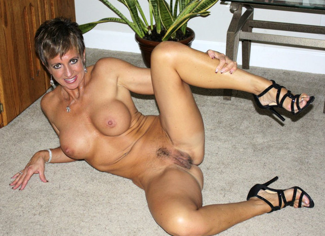 hot sexy milfs pic pictures milf hot sexy showing body fit bockzy