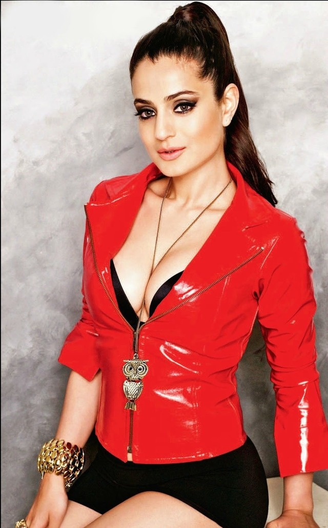 hot sexy mom porn photoshoot amisha patel