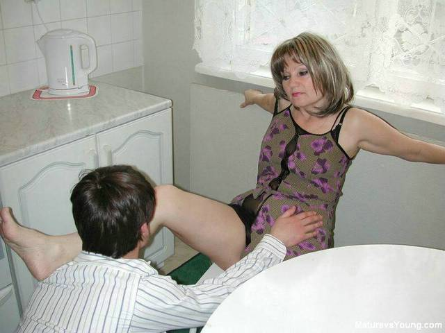ideal milf porn pic mature pictures anal milf category sucks