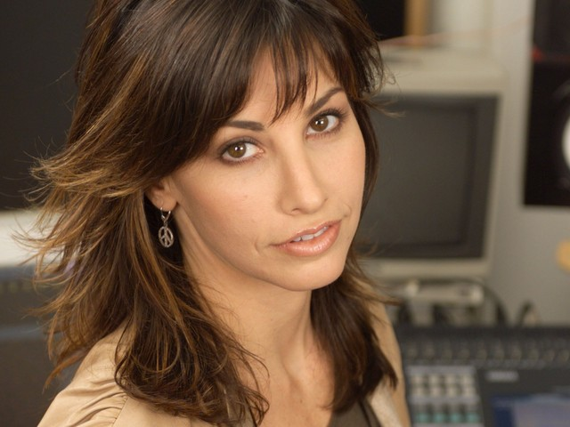 images milf women milf actress gina wallpapers gershon