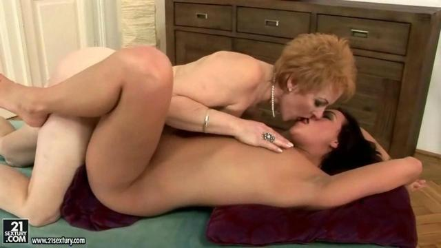 lesbian old porn porn old young lesbian moivie